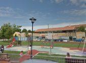 La cubierta del parque infantil más cerca